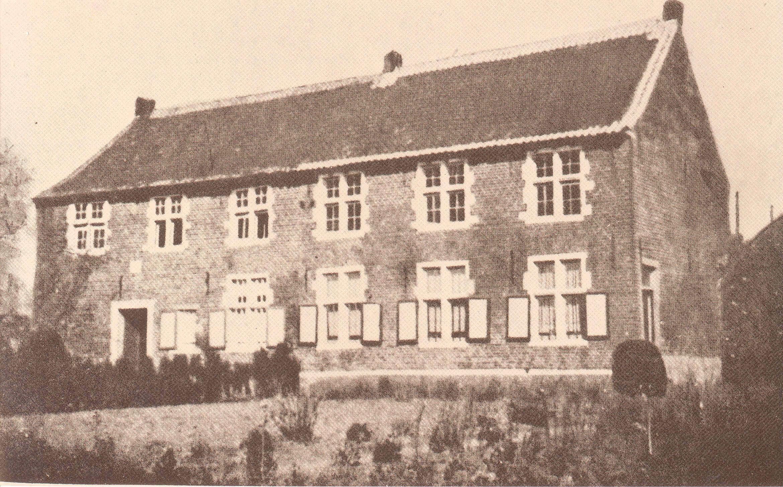 Stenen huis erfgoedbank tielt winge - Huis stenen huis ...